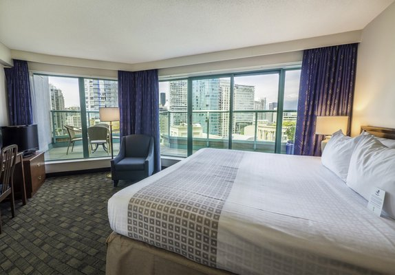 2 Gift Cards for 1 Room King Size Suite at the Rosedale Robson